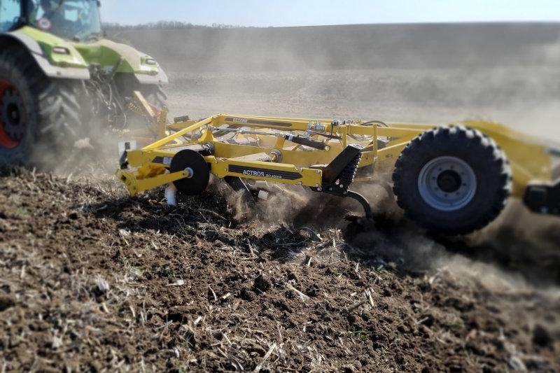 BEDNAR увійшов до трійки кращих імпортерів ґрунтообробної техніки в Українi